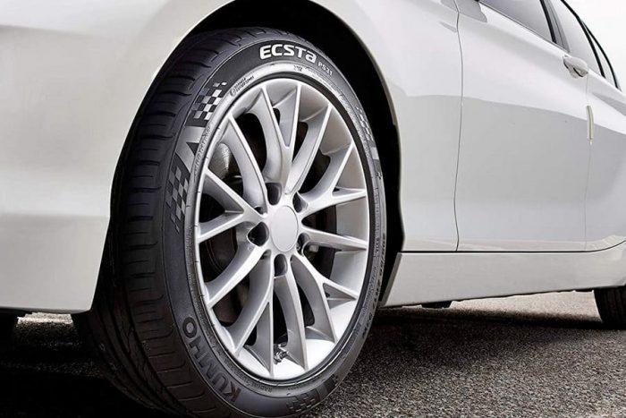 Kumho Ecsta PA31 Tire 3